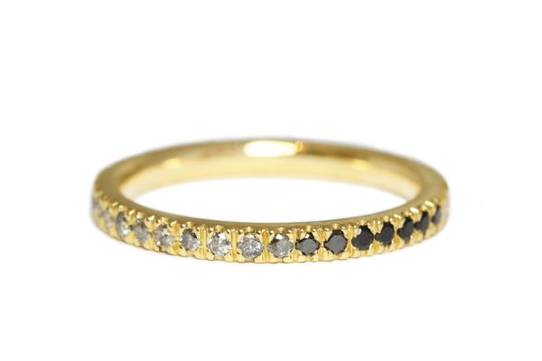 18ct yellow gold black and white