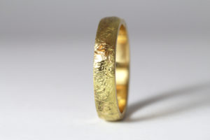 18ct Fairtrade yellow gold with reticulated finish by Zoe Pook Jewellery