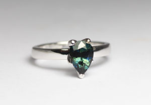 18ct Fairtrade white gold with sapphire