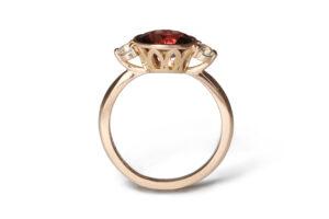 Rose gold muscat sapphire