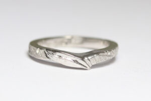 leaf textured white gold band