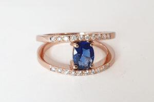 rose gold diamond split band with sapphire